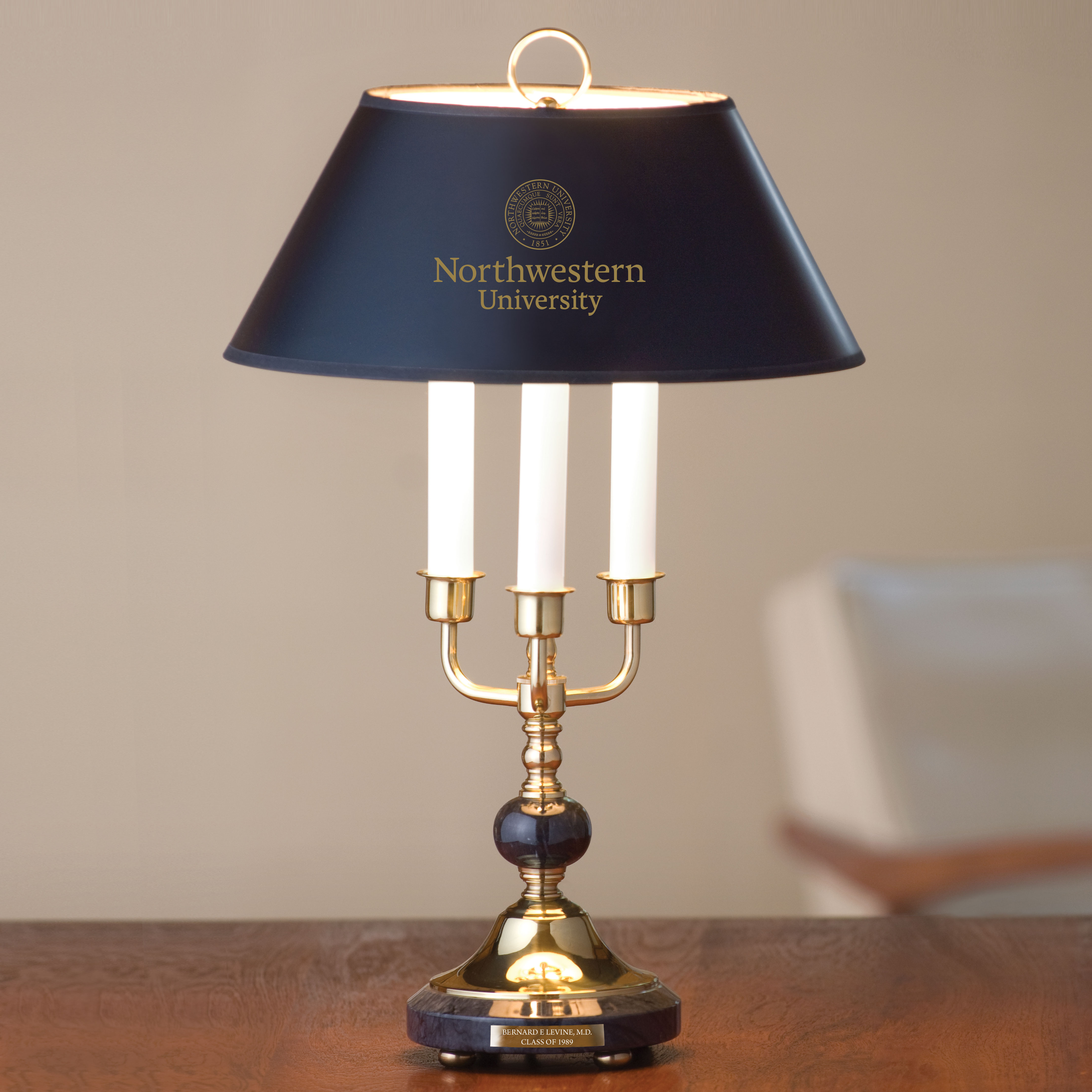 Traditional Northwestern Lamp In Brass And Marble At M Lahart